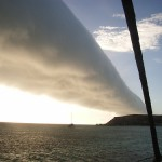 空に架かる雲の帯、モーニンググローリー!