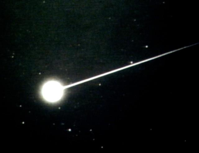 0382be9b e1382516001928 おうし座流星群、2013年は11月5日と12日の21時が見ごろ!