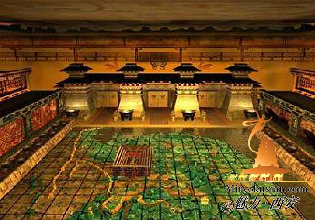 200862733618 始皇帝陵、兵馬俑。皇帝の従者が守る壮大なの地下宮殿!