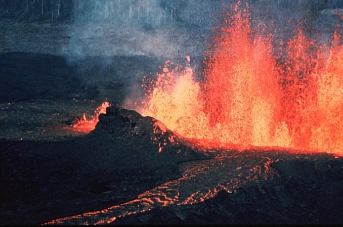 Volcano q 地球の生命は28億年後に絶滅?原因は太陽の膨張による超温暖化!