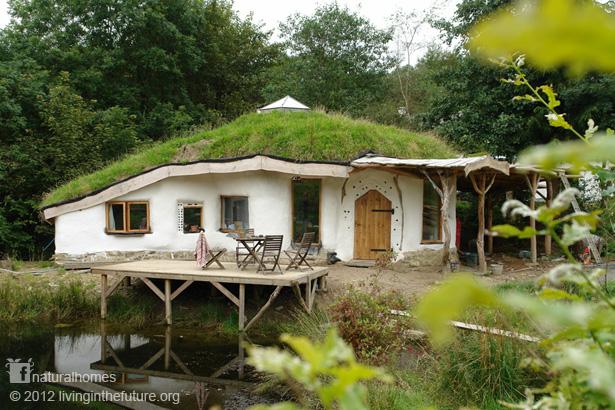 charlie13 スウェーデンにホビットの里が誕生へ!正体は最新のエコロジーハウス!