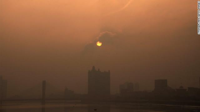 china beijing smog 中国ハルビンの大気汚染が深刻な事態に!測定数値は計測不能を示す!