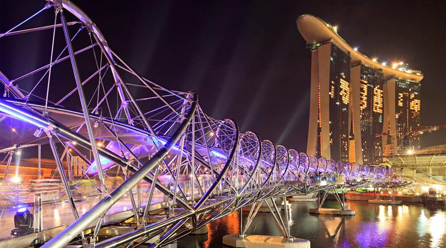helix 900x500 1 darren soh 世界で最も奇妙で美しい橋、ヘリックス・ブリッジ!