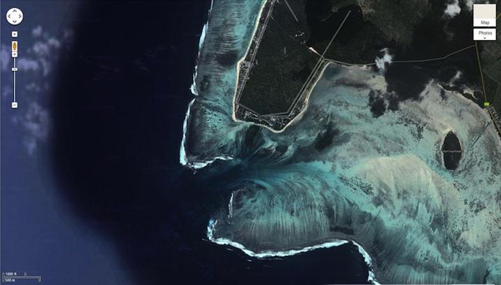 mauritiusunderwaterwaterfall5 まるで海中の巨大な滝!モーリシャス島の絶景!