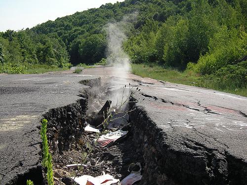 622124007 396892a162 セントラリア。サイレントヒルのモデルとなった、地下火災が50年続く町。
