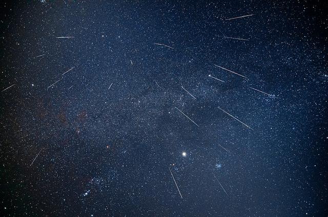 8270887791 e1187ffa67 z ふたご座流星群、2013年は12月14日の夜が見ごろ!