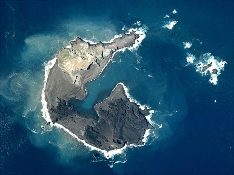 86b59b08c076029bd9a33a515f3b2f2f 小笠原諸島で火山活動によって新しい島が誕生!西之島新島にてなんと合体!