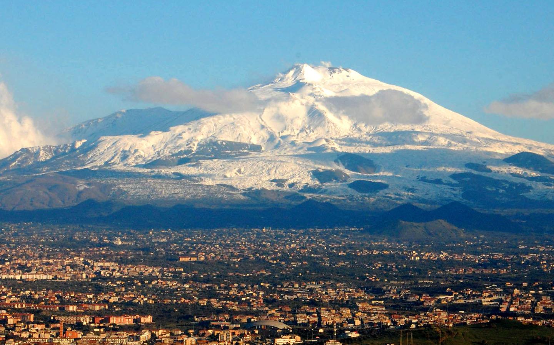915743fd300310a9a757ffdc82575f96 large エトナ山が噴火!相次ぐ噴火にも現地は意外に冷静。