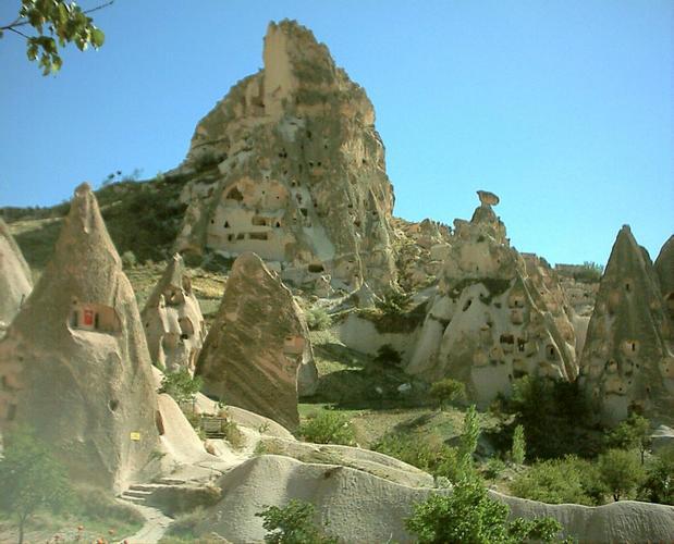 Cappaddocia カッパドキア。トルコに眠る地下遺跡の正体は。