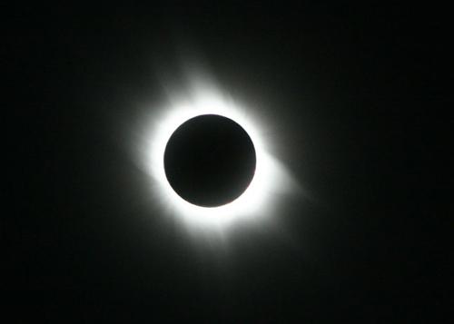 EclipseMarch06 ハイブリッド日食が西アフリカで観測される!