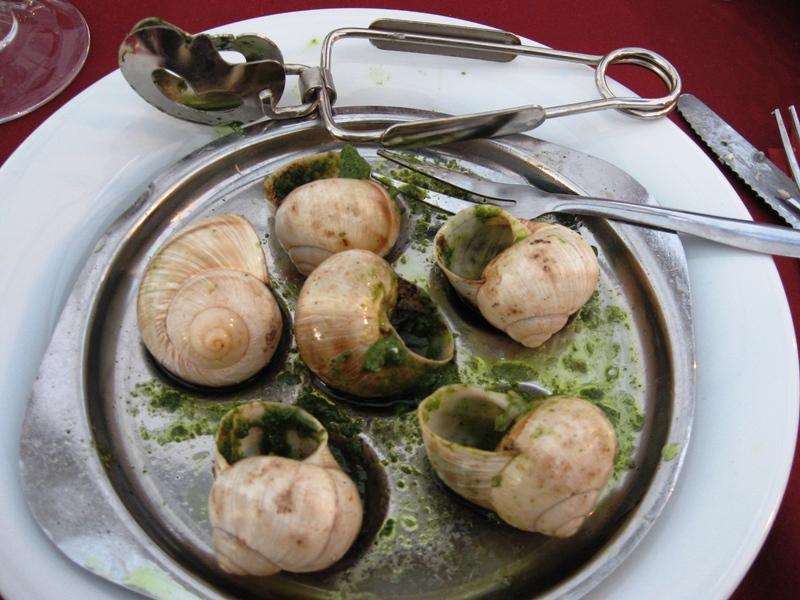 Escargotbordeaux エスカルゴ以外は要注意!カタツムリを食べるのはとても危険?