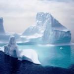 超巨大氷山が南極への航路上に迫る!その大きさはシンガポールと同等!
