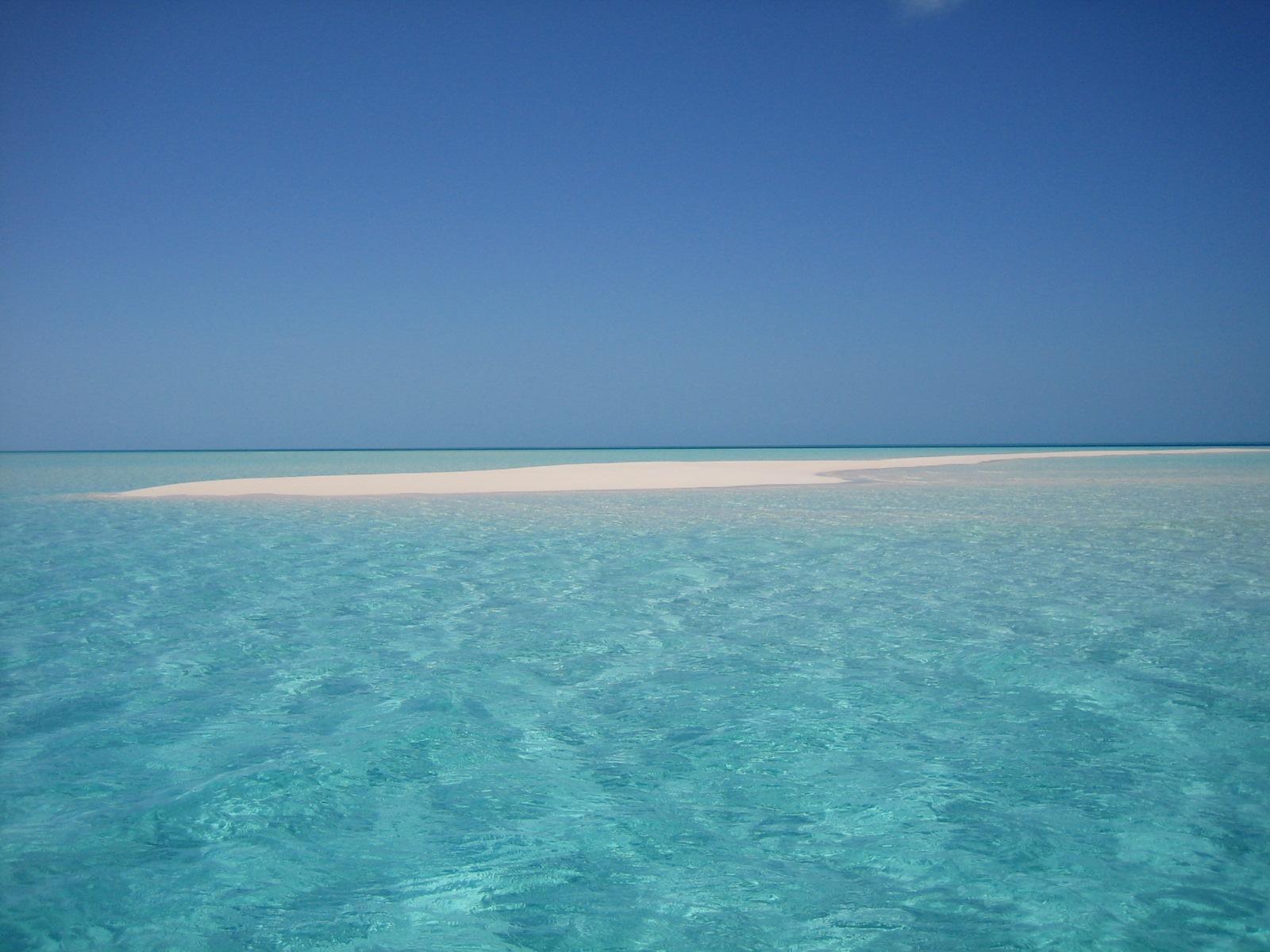 be66350a30144bad2cd7a85184009d0e サンドバー、ハワイの海上に広がる幻の砂浜!