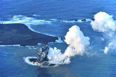 c1549f1a 小笠原諸島で火山活動によって新しい島が誕生!西之島新島にてなんと合体!