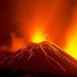 エトナ山が噴火!相次ぐ噴火にも現地は意外に冷静。