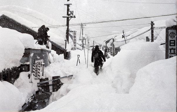 173 12 02 3波型寒波が日本にやってくる!今年1番の寒さが到来!