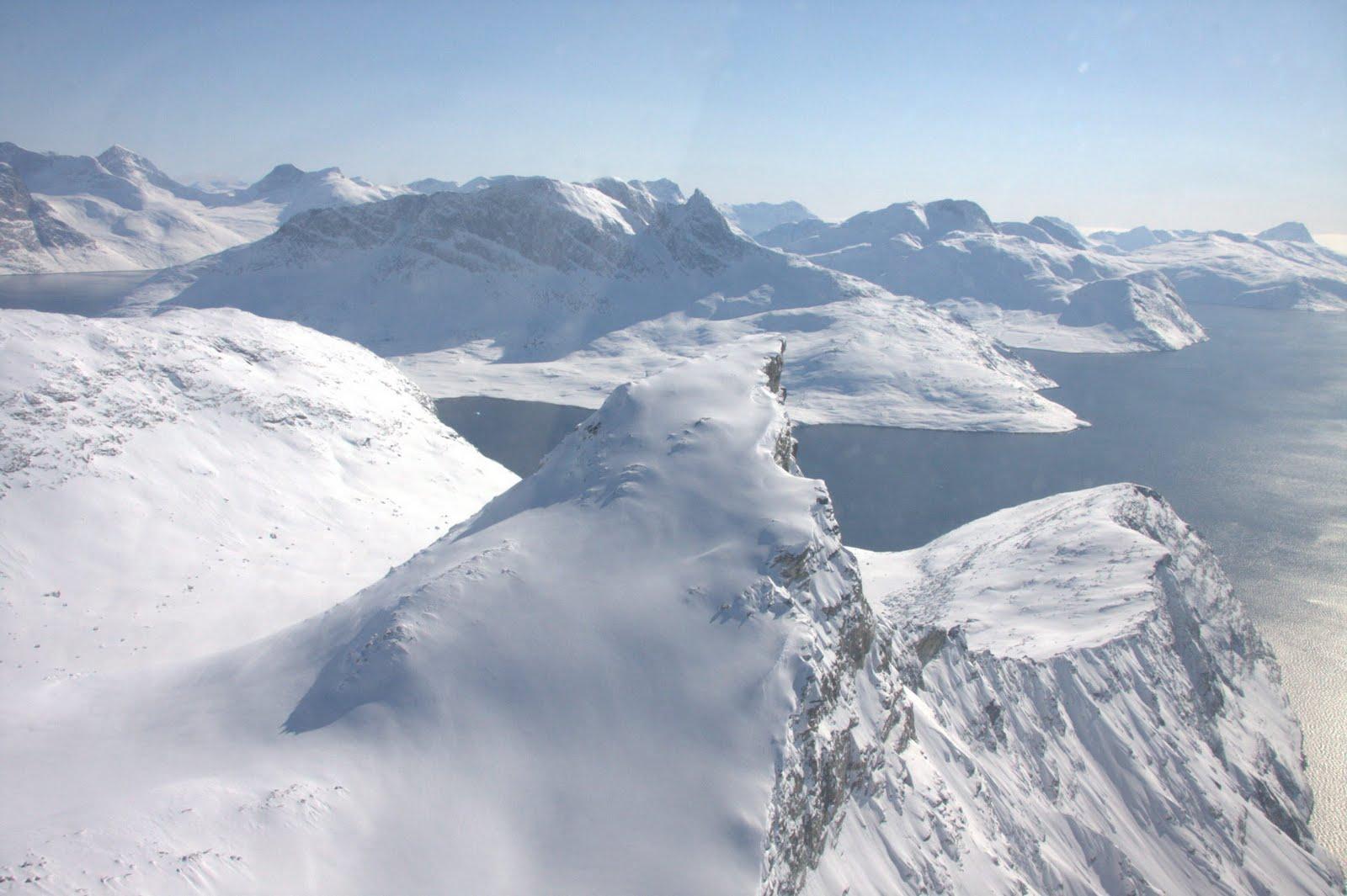 NuukFjords グリーンランドの氷下に巨大な渓谷を確認!大きさはグランドキャニオンの2倍!