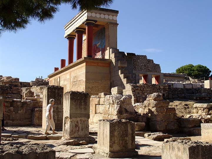 knossos002 クレタ島の迷宮、クノッソス宮殿。