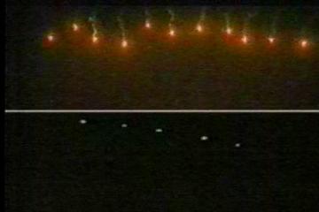 008flares 沖縄に謎の光が出現!正体はアメリカ軍の照明弾。