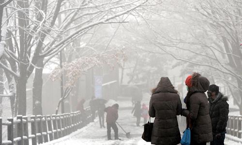 2014012100320 0 高濃度酸性雪がソウルに降る!オレンジやワインに匹敵する酸性度!