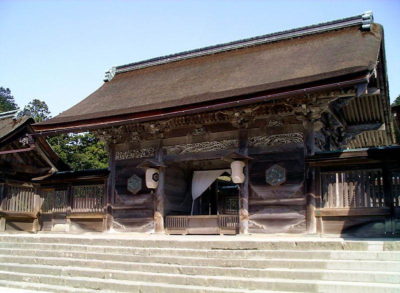 800px Izumo taisha 121538649 804cc41841 o 森羅万象に八百万の神が宿ると考えられている理由。