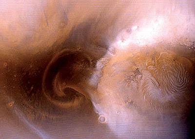 200 火星温暖化、極地の氷が2年で半減!