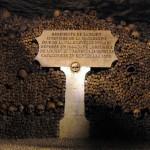 カタコンブ・ド・パリ。遺骨が眠る観光スポット。