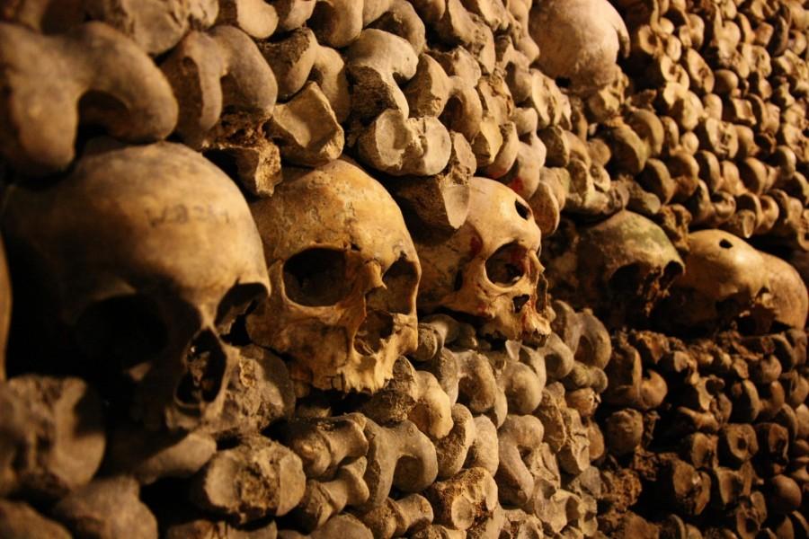 Catacombs of Paris 900x600 カタコンブ・ド・パリ。遺骨が眠る観光スポット。