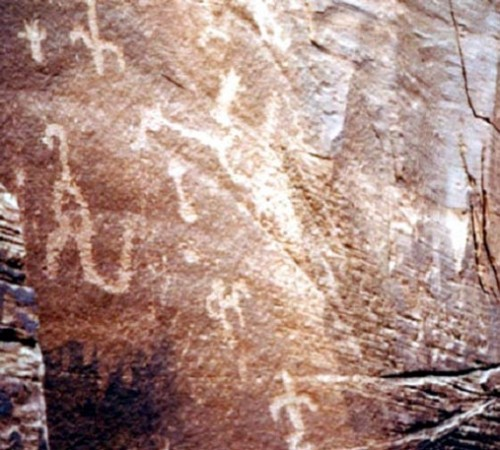 havasupai pictograph1 nm 500x450 恐竜壁画、古代の遺物に恐竜と見られる絵が。