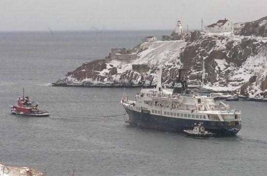 lyubov orlova 3 ships 20322 現代の幽霊船リューボフ・オルロワ号!