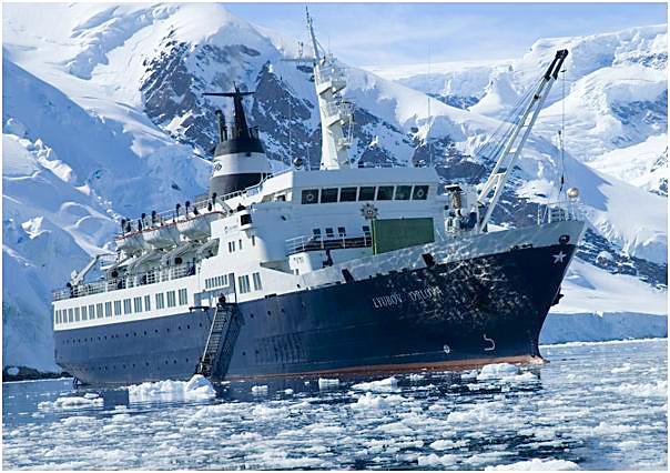 lyubov orlova icy passage 現代の幽霊船リューボフ・オルロワ号!