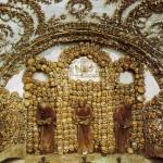 セドレツ納骨堂。骨で飾られた礼拝堂!