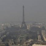 パリにも深刻な大気汚染が。フランス政府が規制を設ける。