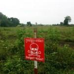 カンボジアの地雷原、今も残る多くの地雷。