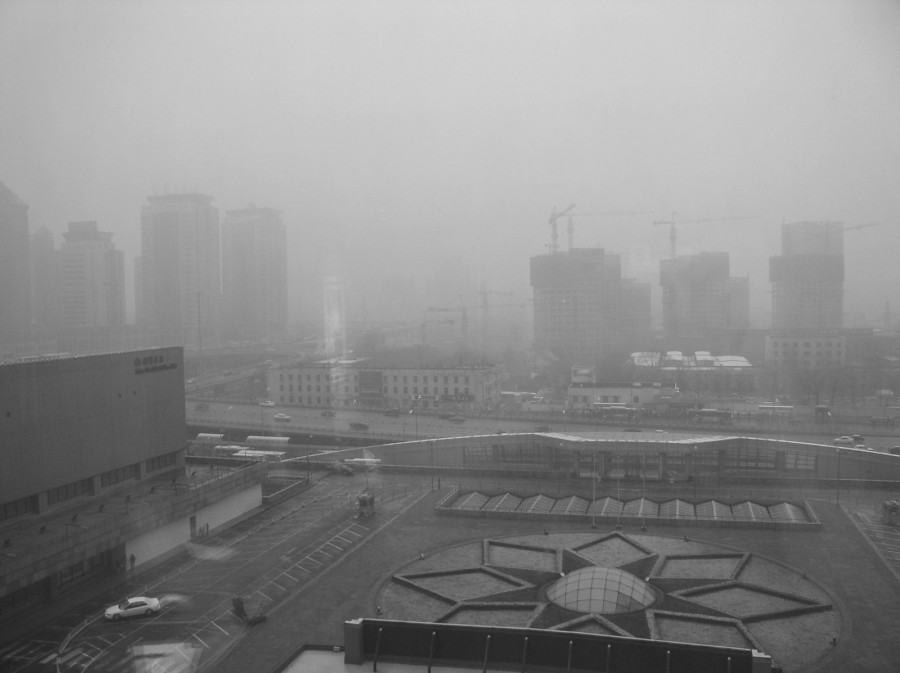 Beijing 900x673 イギリスに深刻な大気汚染が広がる!原因の一部はサハラ砂漠。