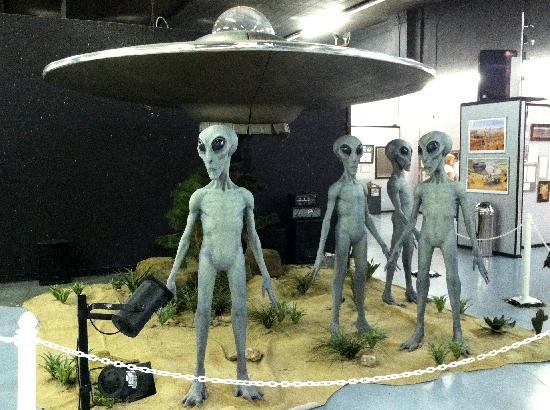 cheese in ufo museum ニューメキシコ州UFO博物館。ある意味最高の町興し。
