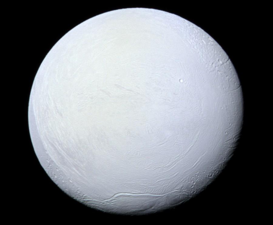 image 1651 3e Enceladus 900x743 準惑星エンケラドスで水の存在が裏付けられる!