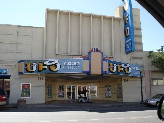 roswell1 ニューメキシコ州UFO博物館。ある意味最高の町興し。