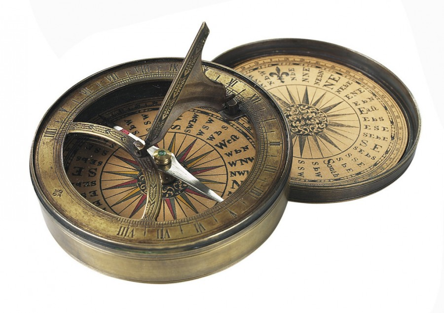 CO012 Compass Sundial 1024x1024 900x634 地球磁場の逆転!20万年に1度の現象。