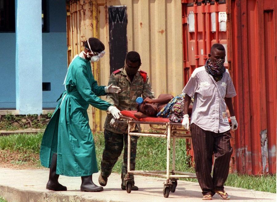 140322 ebola archive 52ce31da0ea0d106be0e510c01b61e7e 900x655 エボラ出血熱の蔓延に歯止めがかからず!