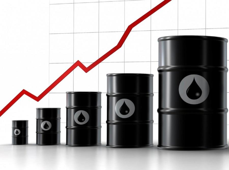 Rising oil prices put air brakes on airline profits 1024x761 900x668 ガソリン価格が上昇中!緊迫する国際情勢や若者の車離れによる需要低下。