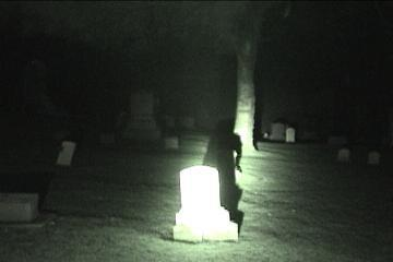 shadow person shadow people 32139040 360 240 シャドーピープル、各地で目撃される影!