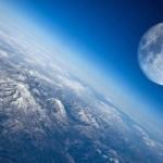 月が無ければ人類は滅びていた?
