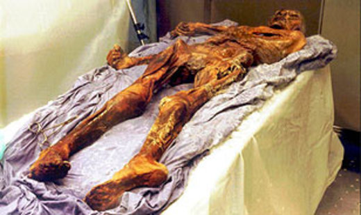 oetzi2 260908ap308 エッツィ、5300年前の不思議なミイラ。