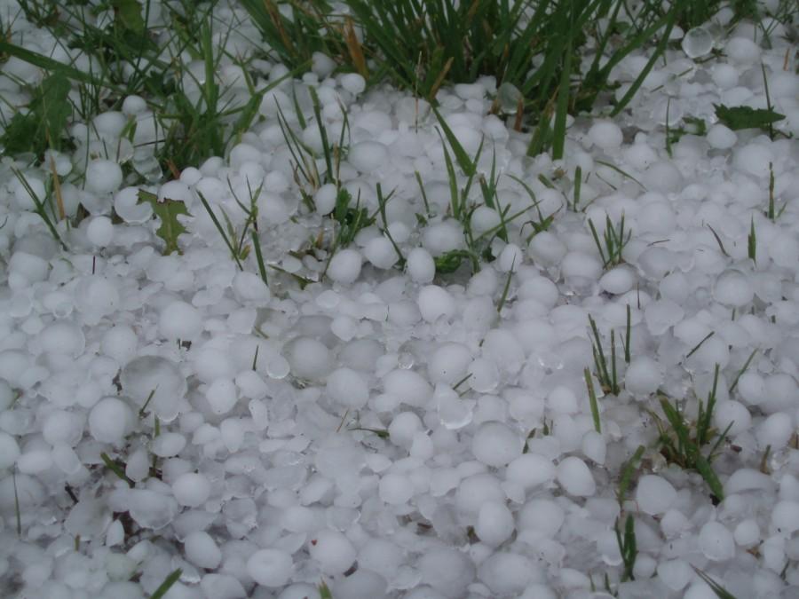 hail 900x675 東京に雹が降った理由。不安定な気流の流れ。