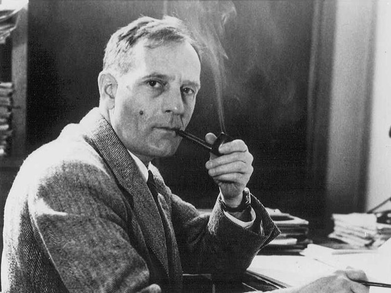 Edwin Powell Hubble 宇宙が膨張していると考えられている理由。