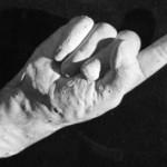 霊体物質化実験(クルスキーの手形)。幽霊の型を取ることに成功していたという記録。