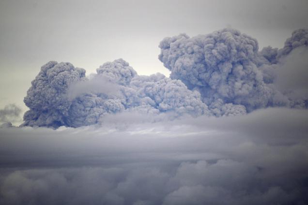 12TH CHILE VOLCANO 656059f 富士山噴火の懸念。日本経済への深刻な打撃も。