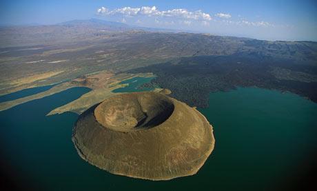 Lake Turkana Kenya  001 グレート・リフト・バレー。人類発祥の地とされた谷。