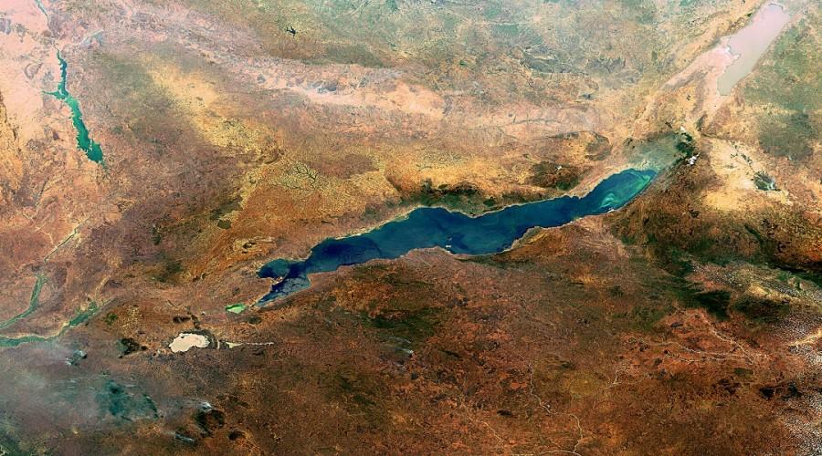 Lake Malawi Great Rift Valley large 900x500 グレート・リフト・バレー。人類発祥の地とされた谷。